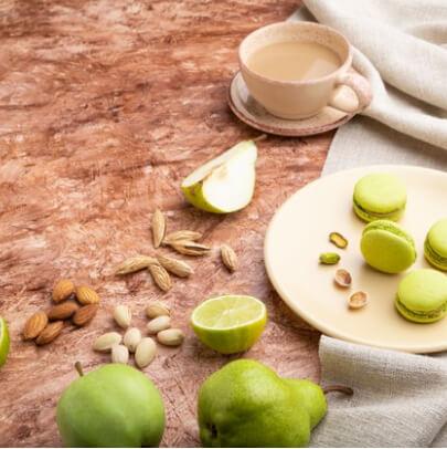 Макаруны, кофе и груши. Макаронс со вкусом груши и яблока